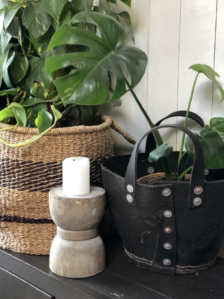 nieuwe mand voor plant bij Familie BinnensteBuiten