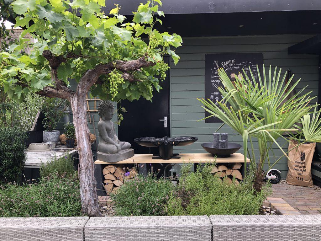 Vooraanzicht van onze buitenkeuken