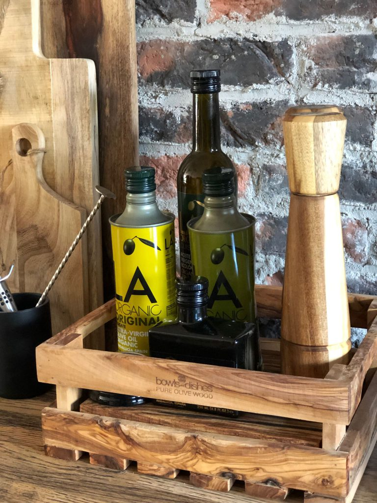 olijfhouten krat met olijfolie